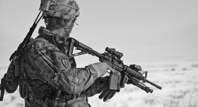 Un soldat de l'armée de terre