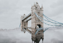 Le Tower Bridge de Londres au Royaume-Uni