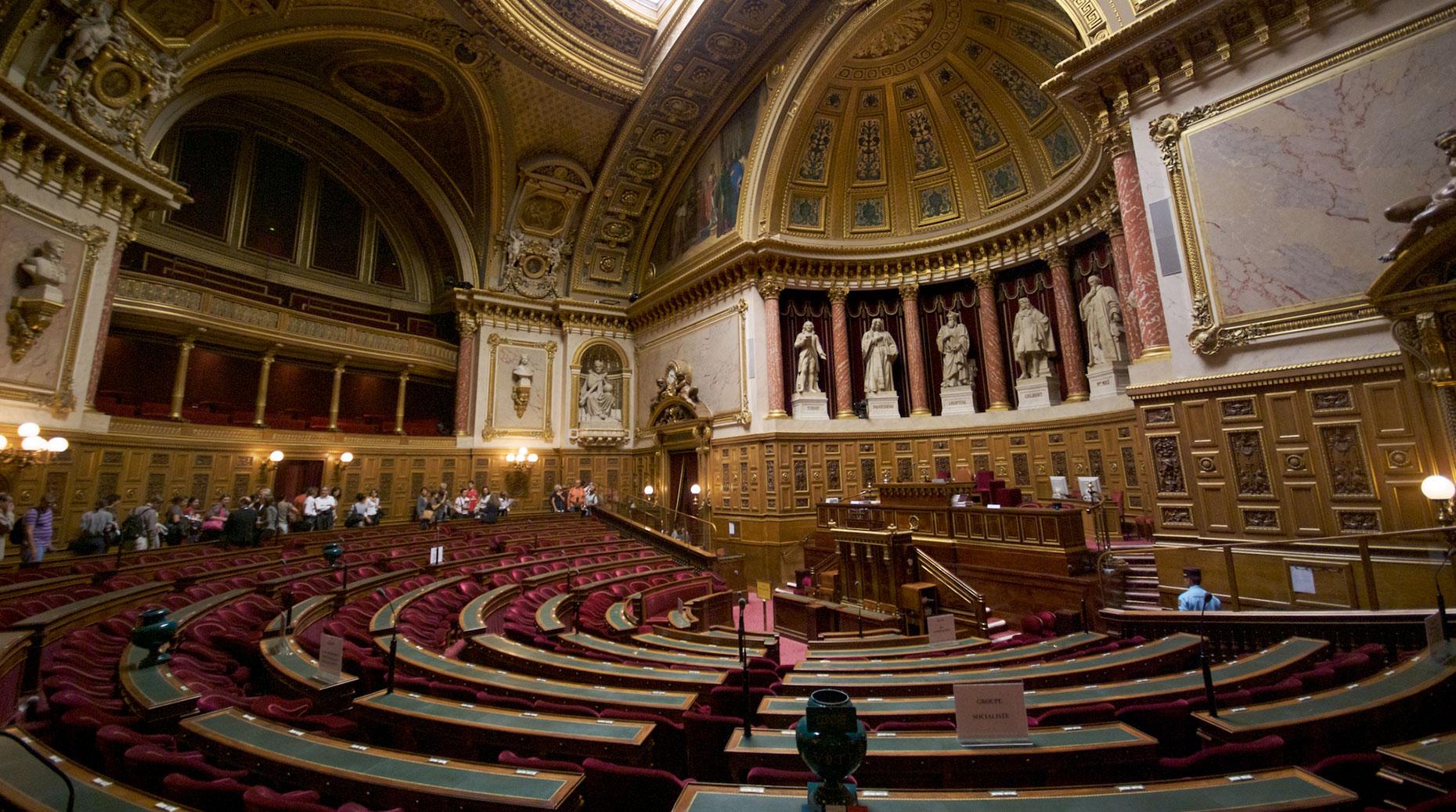 Covid 19 : Pourquoi les parlementaires veulent taxer les assureurs ?
