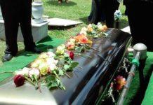 Cercueil à un enterrement