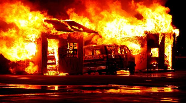 Incendies : la Californie veut obliger les assureurs à couvrir les habitants  de zones à risque