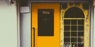 Un bar fermé. L'UMIH dénonce l'attitude des assurances