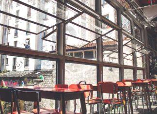 Un restaurant fermé