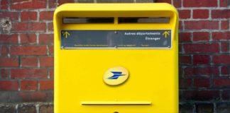 Une boîte aux lettres de la Poste