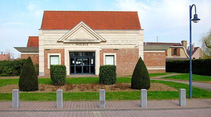 La mairie de Lompret dans le Nord.